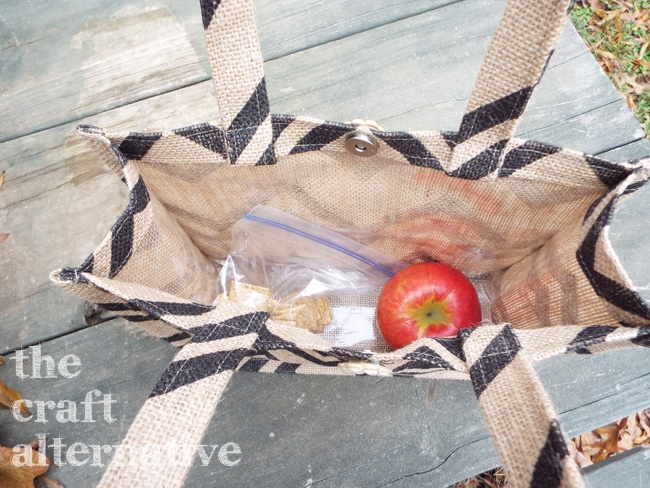 How to Make a Lined Burlap Lunch Bag_Inside