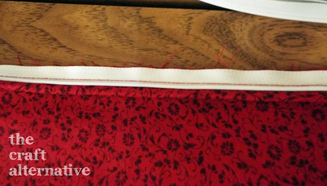 Easy to Make Holiday Pillow Covers_Zipper