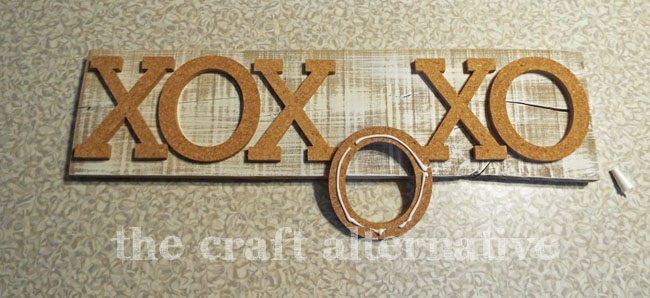 How to Make an XO Message Board_Glue
