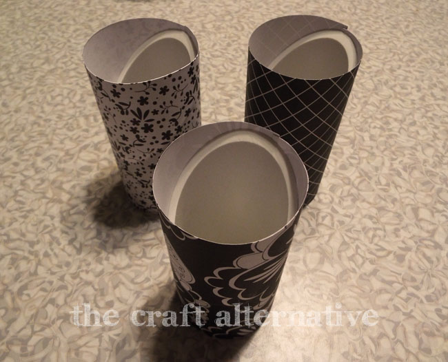 Desk Organizer Made with PVC Pipe and Paper_Paper