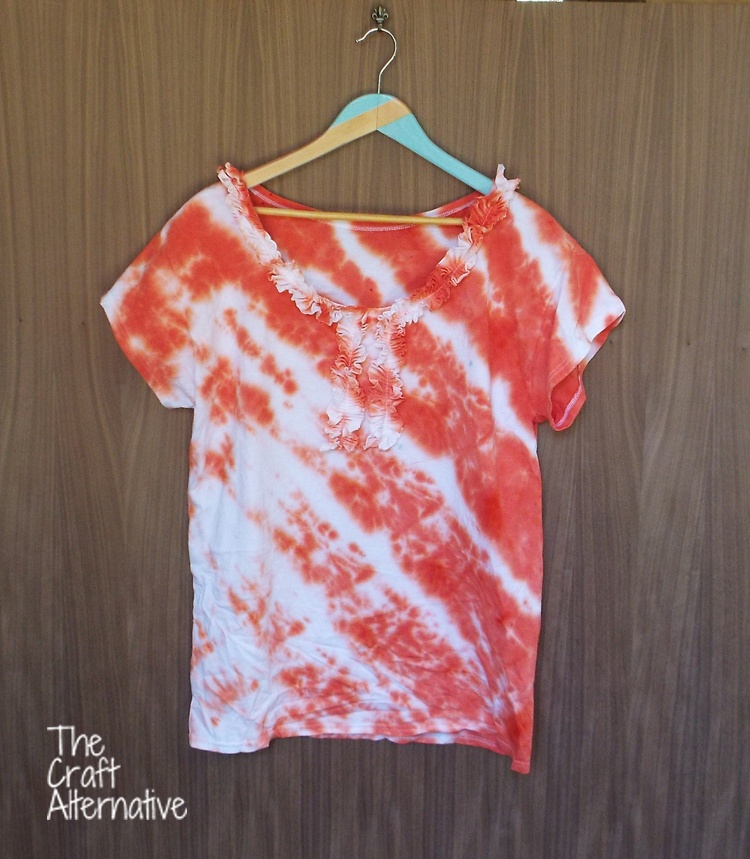 T-Shirt with Ruffles and Tie Dye_Finished