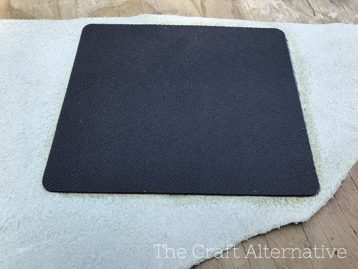 diy-stenciled-leather-mouse-pad-position