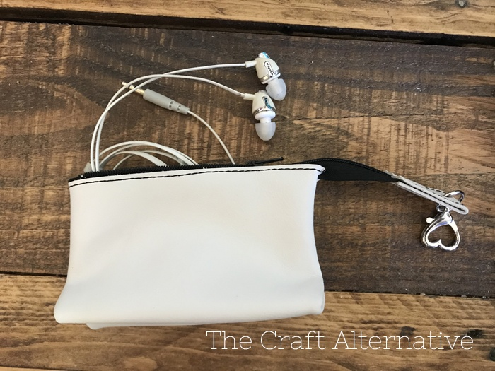 easy-sew-diy-leather-pouch