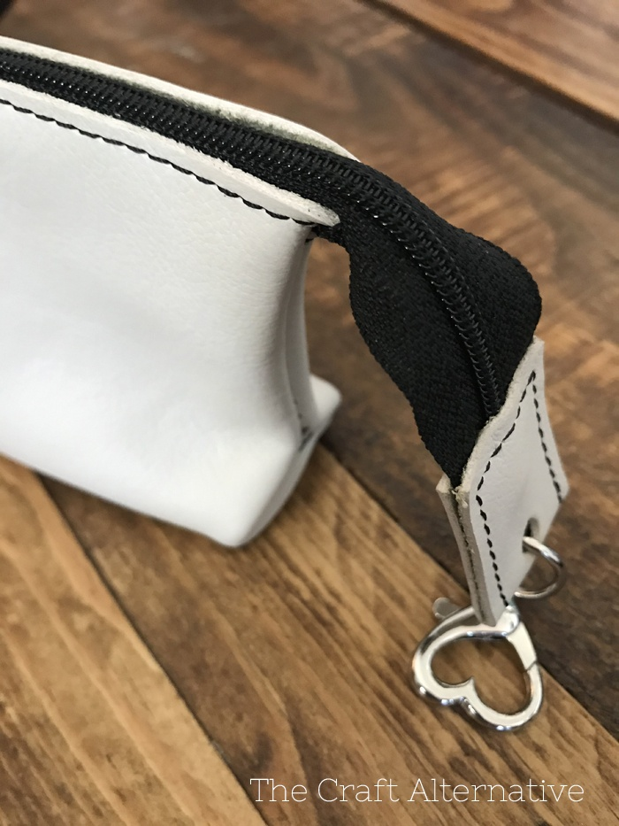 easy-sew-diy-leather-pouch-completed