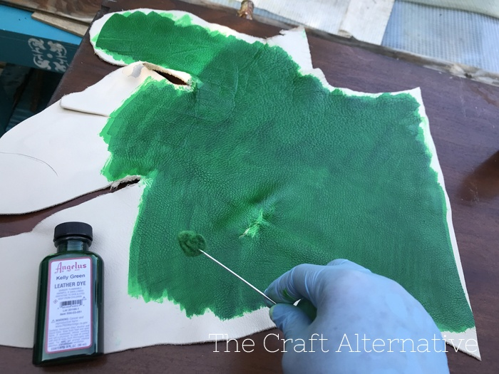 tips-dyeing-leather-green